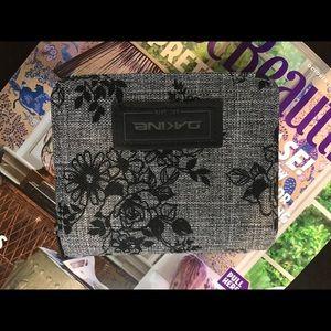Dakine fabric wallet
